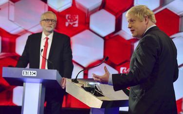 Vođa laburista Džeremi Korbin i premijer Boris Džonson