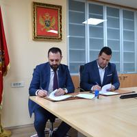 Jevto Eraković i Darko Vukčević potpisuju ugovor o saradnji