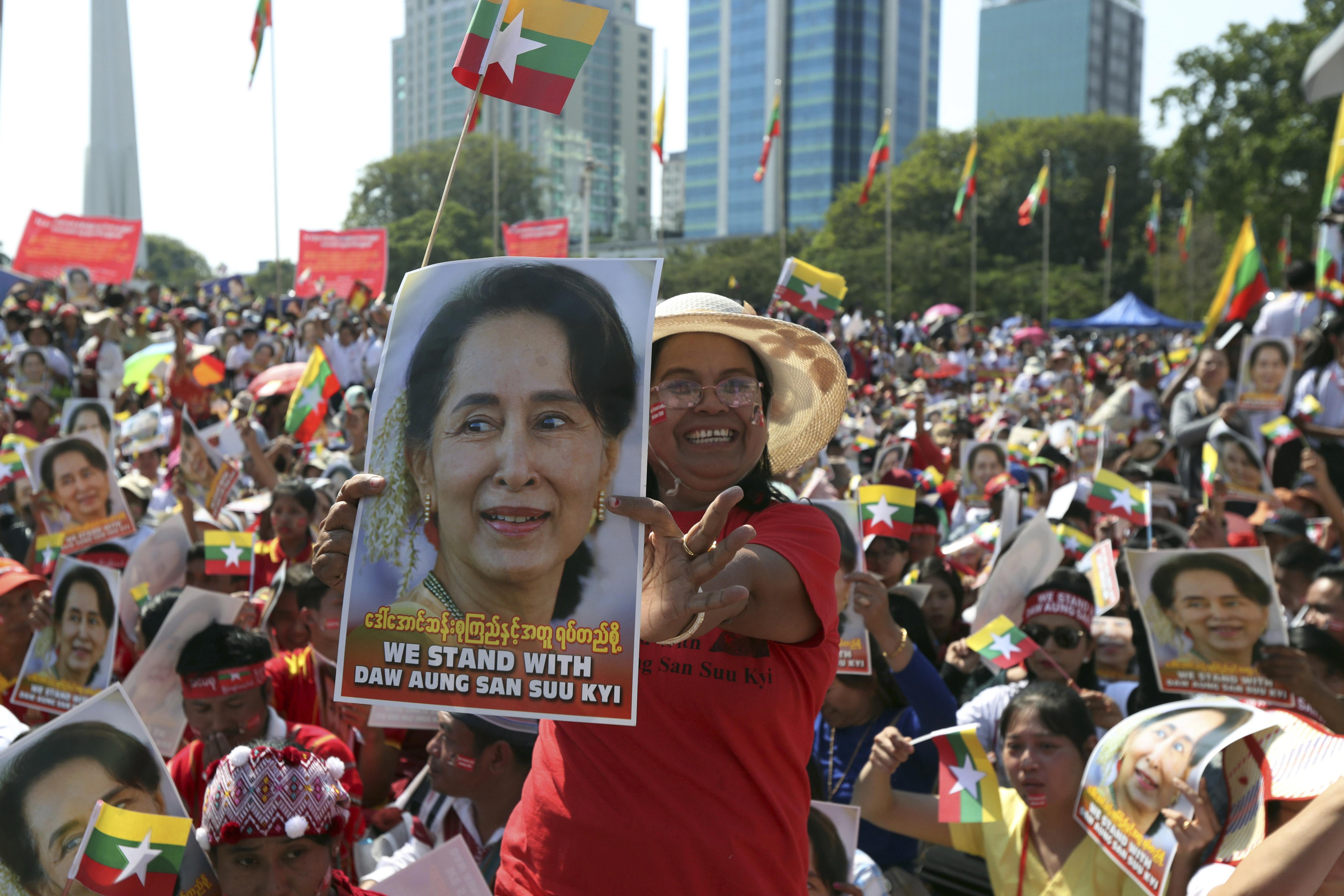 Na ulicama podrška za liderku
