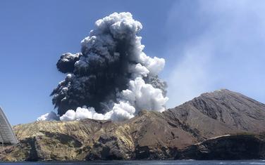 Erupcija vulkana na Bijelom ostrvu na Novom Zelandu