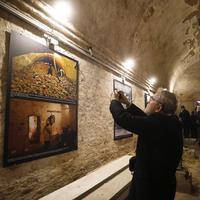 """Fotografije iz perioda """"Hladnog rata"""" izložene u tunelu za evakuaciju u Berlinu"""