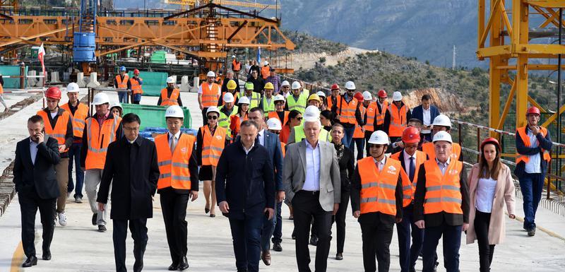 Sa ceremonije spajanja rasponske konstrukcije mosta Moračica