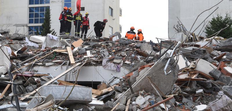 Spasilačka akcija nakon zemljotresa u Draču