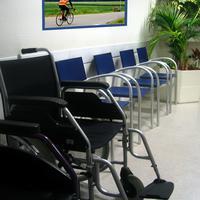 Osobe s invaliditetom suočavaju se s brojnim barijerama (ilustracija)