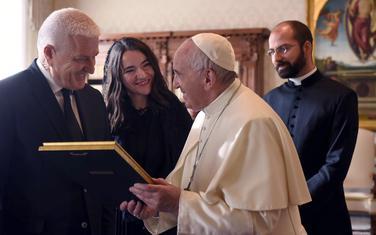 Pohvalio politike Vlade u raznim oblastima: Marković i Papa Franjo