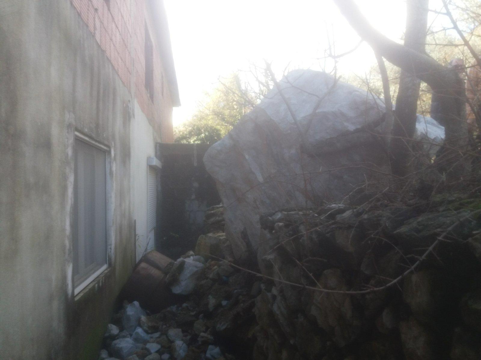 Stijena stala na 80 centimetara od kuće