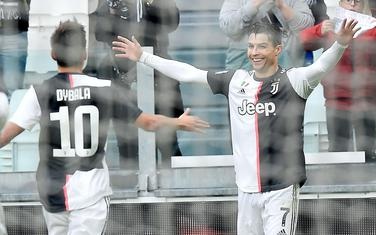 Dibala i Ronaldo slave