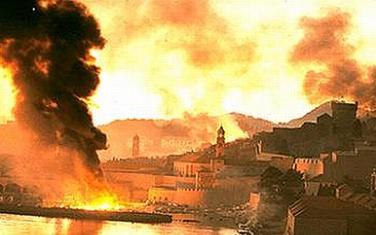 Dubrovački Stari grad u plamenu nakon granatiranja JNA i crnogorskih rezervista