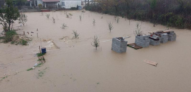 Obilne padavine izazvale poplave