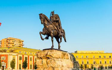 Spomenik bi bio replika onog u Tirani