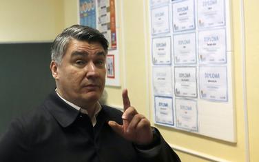Profitirao od sukoba desnice: Milanović