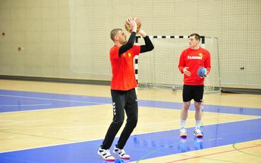 Zagrijavanje uz košarkašku loptu: Branko Vujović pred sinoćnji trening