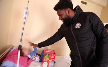 Hasan Martin u posjeti Institutu za bolesti djece