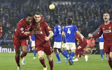 Slavlje igraa Liverpula nakon penala Džejmsa Milnera za 2:0