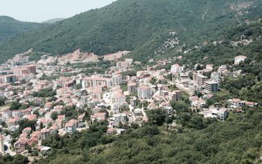 Naselje u Lazima, gdje je sporno zemljište