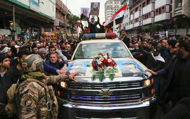 """Hiljade Iračana je juče uzvikivalo """"Smrt Americi"""""""