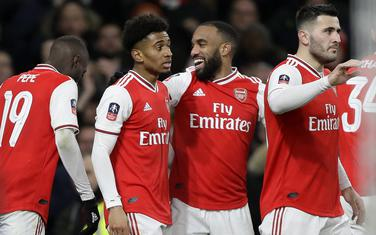 Igrači Arsenala slave gol Nelsona