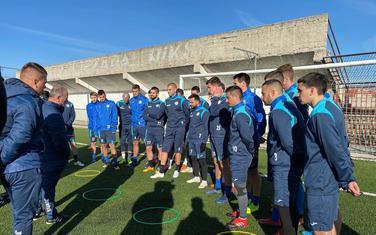 Trener Rakojević i fudbaleri Sutjeske juče uoči prvog treninga u 2020