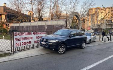 Nepropisno parkirano auto gradonačelnika Nikšića u Podgorici