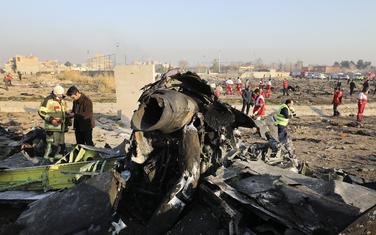 Detalj sa mjesta na kome je pao ukrajinski avion u Iraku