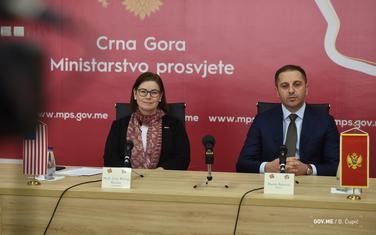 Ambasadorka Rajzing Rajnke i minstar Šehović