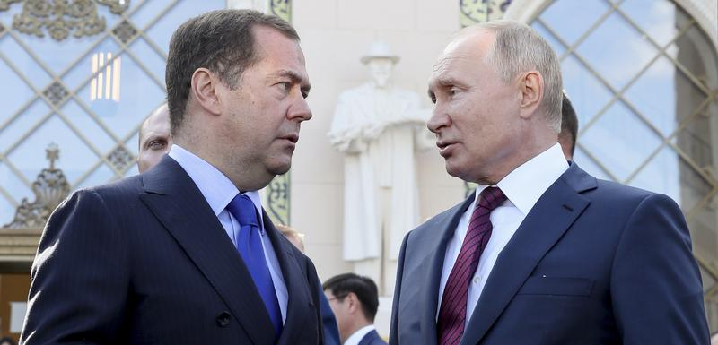 Medvedev i Putin