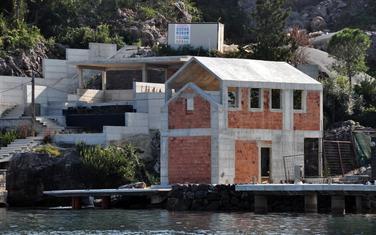 Detalj sa obale u Krtolima