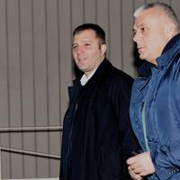 Mijatović (lijevo) dolazi u tužilaštvo u pratnji advokata (arhiva)