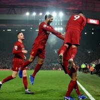Slavlje igrača Liverpula nakon Van Dajkovog gola