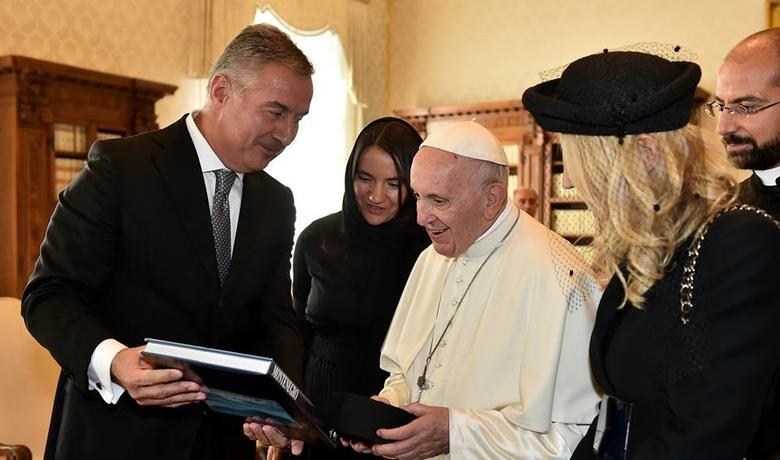 Vatikan može osigurati priznanje CPC: Đukanović i papa Franjo