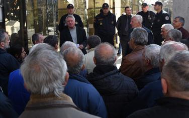 Sa ranijeg okupljanja ispred Ustavnog suda (arhiva)