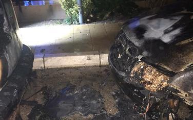 Zapaljena vozila u Budvi