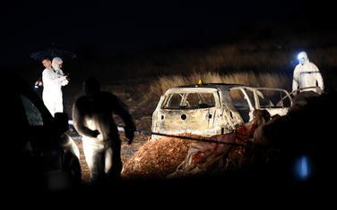 Uviđaj na mjestu na kojem je zapaljen automobil