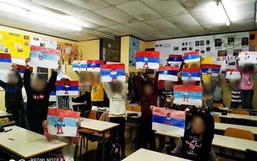 Đaci dobili zadatak da slikaju trobojku: OŠ Jugoslavijia Bar