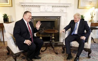 Pompeo i Džonson su razgovarali o sporazumu o slobodnoj trgovini između SAD i Britanije