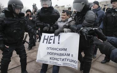 Hapšenje demonstranata