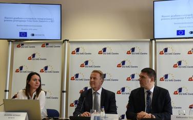 Olivera Komar, šef Delegacije EU u Crnoj Gori Aivo Orav i glavni pregovarač  Aleksandar Drljević