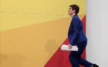 Ostaje na dužnosti ministarke odbrane: Kramp Karenbauer