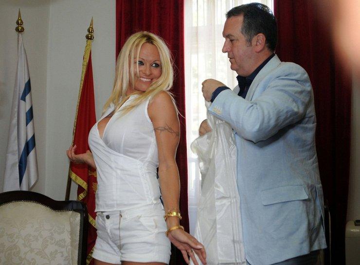 Pamela Anderson i bivši gradonačelnik Podgorice dr Miomir Mugoša