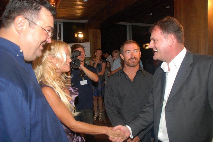 Pamela Anderson, Slavoljub Stijepović i Knežević