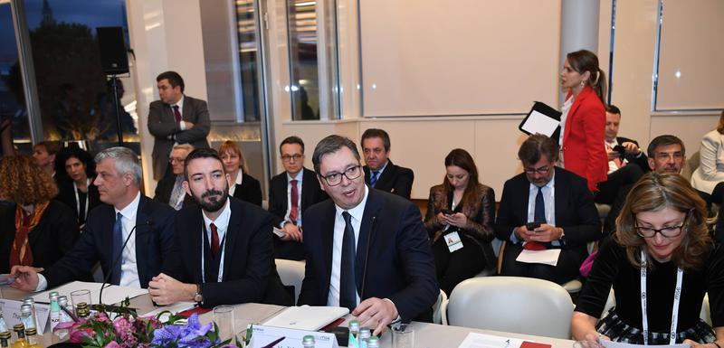 Vučić u Minhenu na okruglom stolu o bezbjednosti na Balkanu