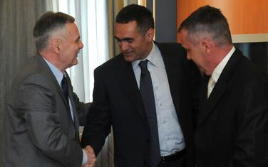 Damjanović, Radonjić (lijevo) i Bulatović (desno) u Skupštini