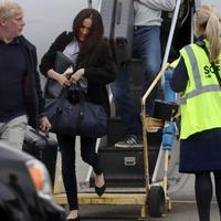 Megan Markl i princ Hari na kanadskom aerodromu