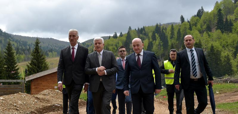 Obilazak gradilišta puta Lubnice-Jezerine 2017: Parača, Marković i Nurković