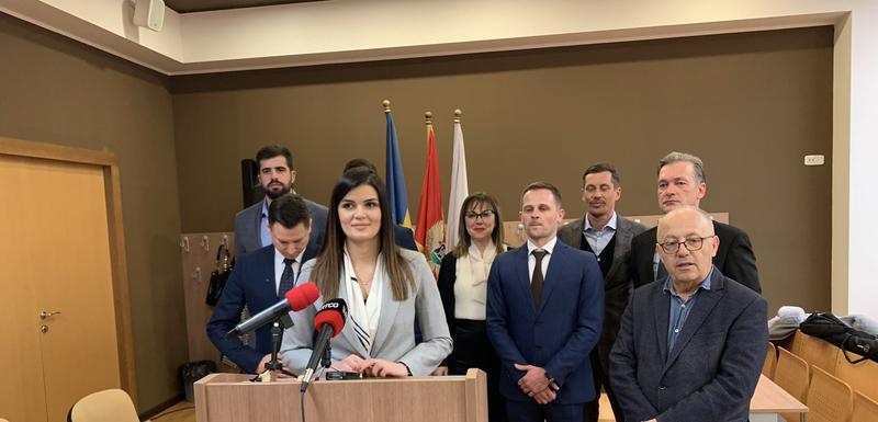 Ivanović sa kolegama iz partije