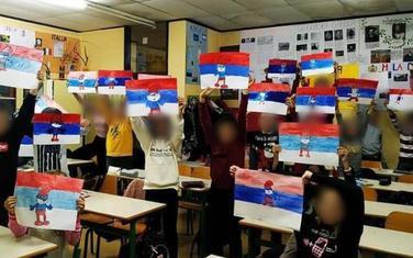 Đaci dobili zadatak da slikaju trobojku: OŠ Jugoslavija u  Baru