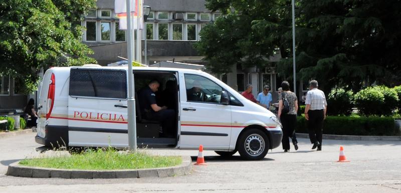 Policija ispred Kliničkog centra (arhiva/ilustracija)