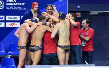 Vaterpolisti Crne Gore nakon pobjede nad Hrvatskom na Evropskom prvenstvu