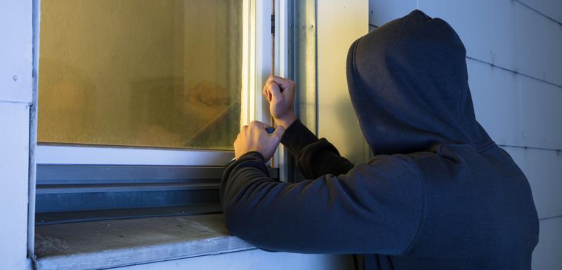 Резултат слика за Pljevljak osumnjičen da je iz kuće ukrao 3.030 eura i telefon