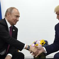 Tramp i Putin u Osaki prošle godine